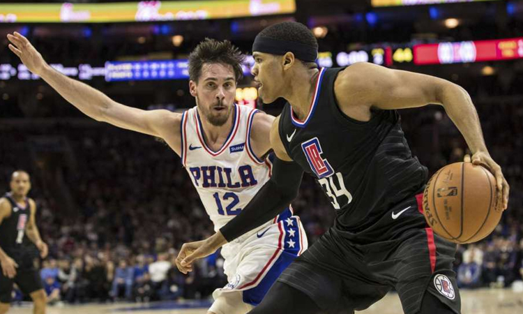 Philedelphia: 112 - Los Angeles Clippers: 98